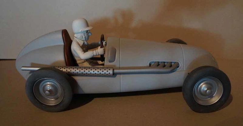 """la Maserati de """"Spirou et les héritiers"""" - Page 8 Dsc00329"""