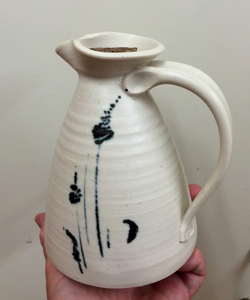 Jug with MD mark - Mandy Parslow? Image348