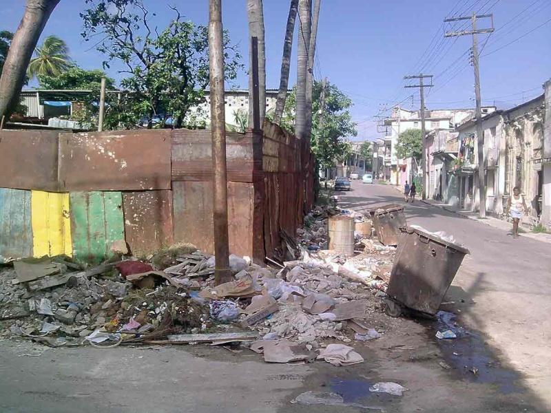 Municipio Diez de Octubre al borde de epidemia por insalubridad Calles11