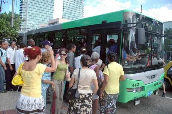 Realidades y perspectivas del transporte de pasajeros en Cuba Guagua10