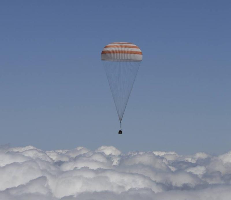 Vol spatial de Timothy Peake / Expedition 46 et 47 - PRINCIPIA / Soyouz TMA-19M - Page 2 13465910