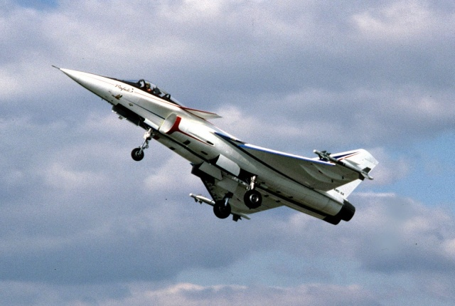 [Aviation - Histoire] 30ème anniversaire du 1er vol du Rafale - 4 juillet 1986 29188310