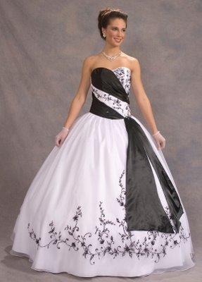 Vestidos de 15 anos – Tendências 2013  Vestid15