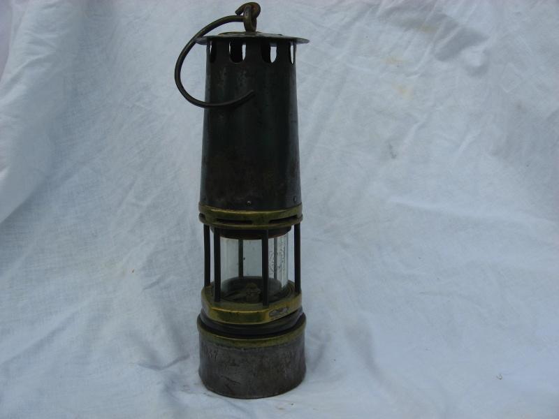 lampes de mineurs,  divers objets de mine, outils de mineur et documents  - Page 3 Img_8612