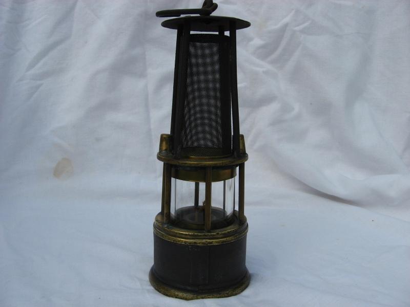 lampes de mineurs,  divers objets de mine, outils de mineur et documents  - Page 4 Img_8729