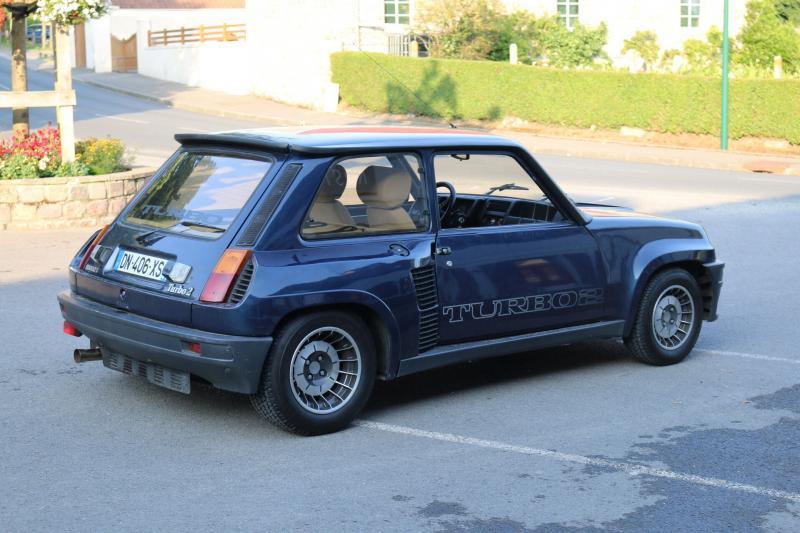 Présentation d'un collectionneur avec une R5 Turbo 2  Img_1410