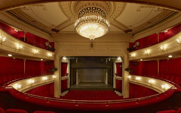 Ato I - Narrativa de Howard: Those who know will not tell Teatro10