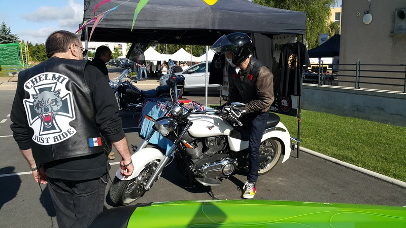 Rassemblement Américaines, autos, bikes à Fourchambault  (NIEVRE) 20160728