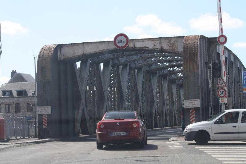 Le pont, incontournable du paysage routier - Page 3 Img_0116