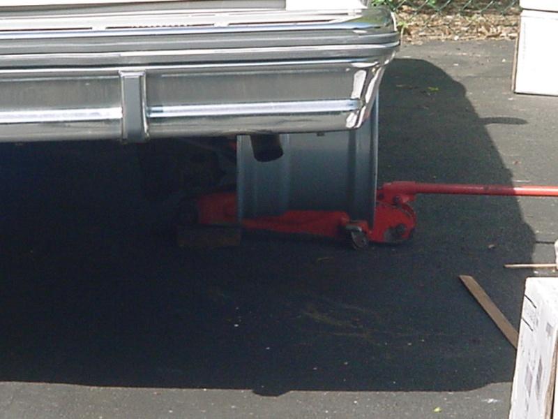 rear wheel fitment 15x10 w/ 275-60 drag radials Mvc-7911