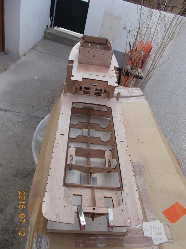 fairmount alpine 1/78 billing boat Dscn0317