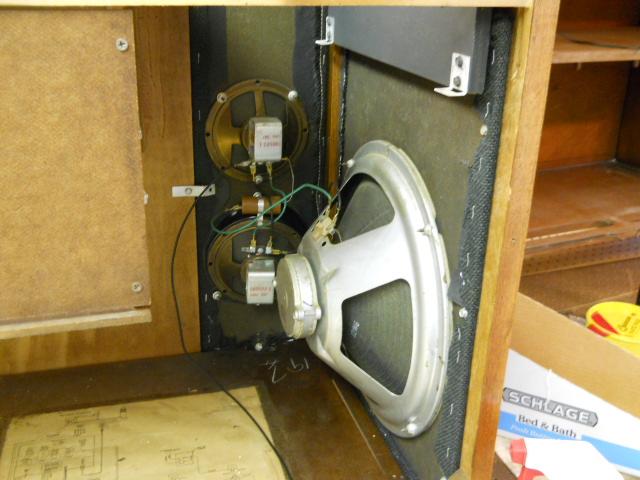 Restoration on Magnavox Stereo Model 1ST616 - Page 5 00114