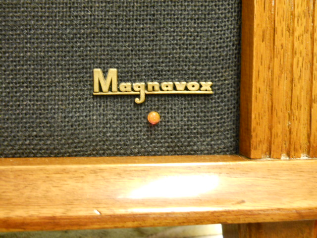 Restoration on Magnavox Stereo Model 1ST616 - Page 5 00411