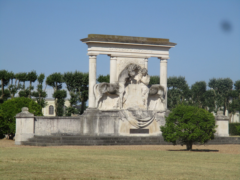 [Histoires et Histoire] Monuments aux morts originaux Français Tome 1 - Page 30 17610