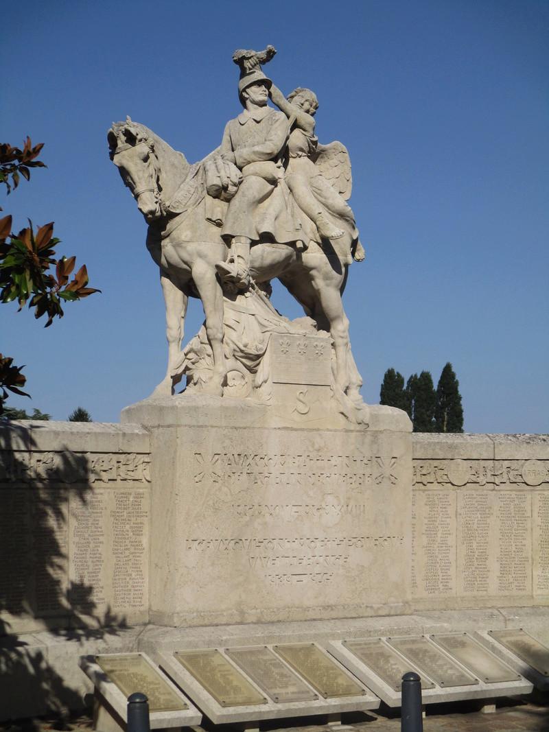 [Histoires et Histoire] Monuments aux morts originaux Français Tome 1 - Page 30 19210