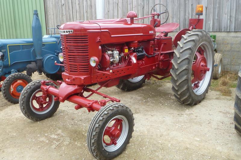 Tracteurs agricole d'autrefois. 15312