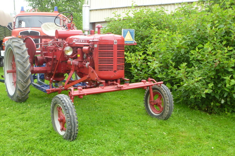 Tracteurs agricole d'autrefois. 15510
