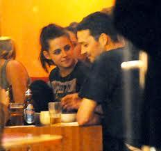 [SEPARATION] Kristen Stewart et Robert Pattinson. - Page 2 Talach10