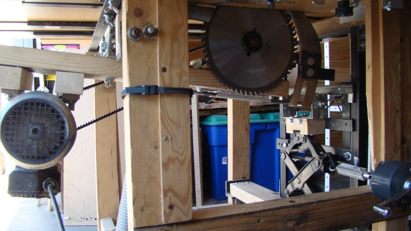 Table de scie avec axe et defonceuse Dsc03013