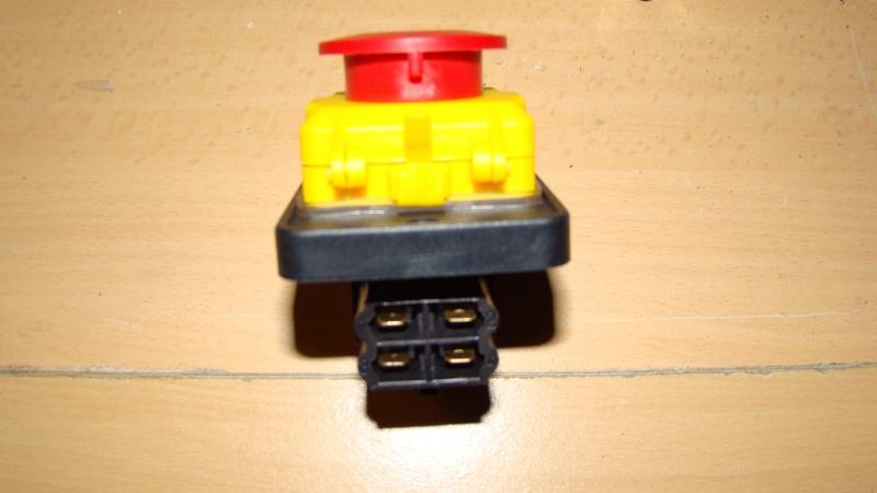 Table de scie avec axe et defonceuse Dsc03122