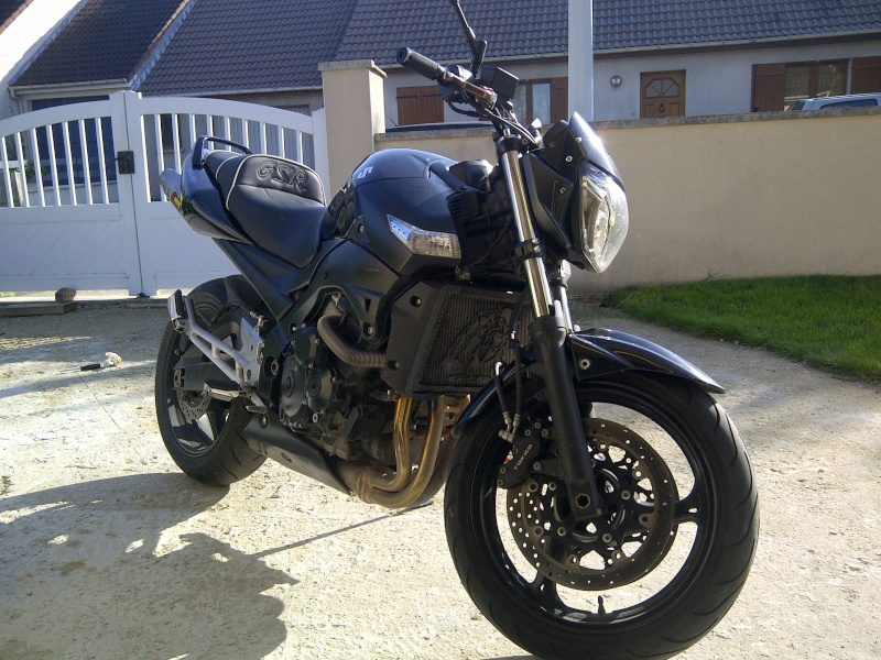 Le post des motards ! - Page 4 Img-2014