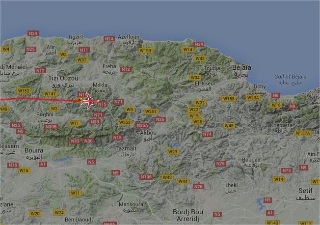 2016: le 27/05 à 21h20 - Pan dans le ciel -  Ovnis à kendira -Algerie Avion110