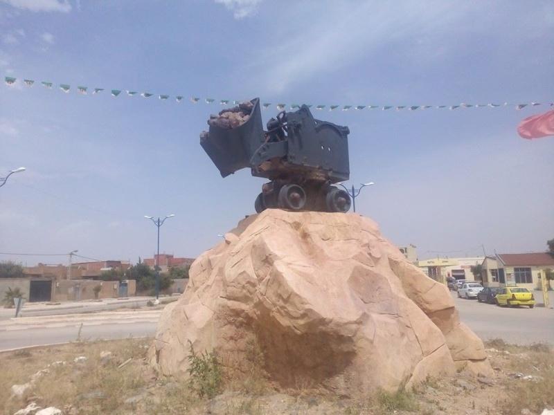 Hafit continue à sillonner les différentes localités de Tebessa avec son ami Mokhtar.(Juin 2016) 116