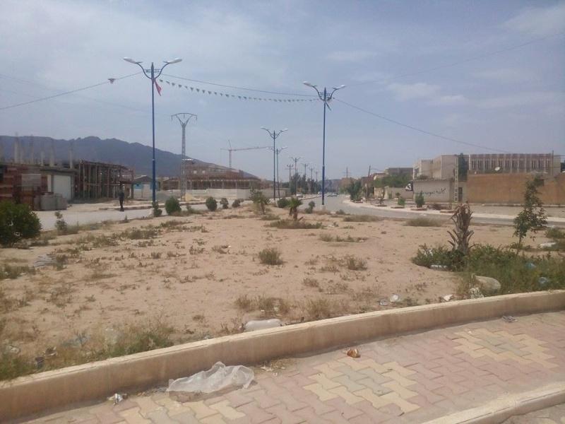 Hafit continue à sillonner les différentes localités de Tebessa avec son ami Mokhtar.(Juin 2016) 120