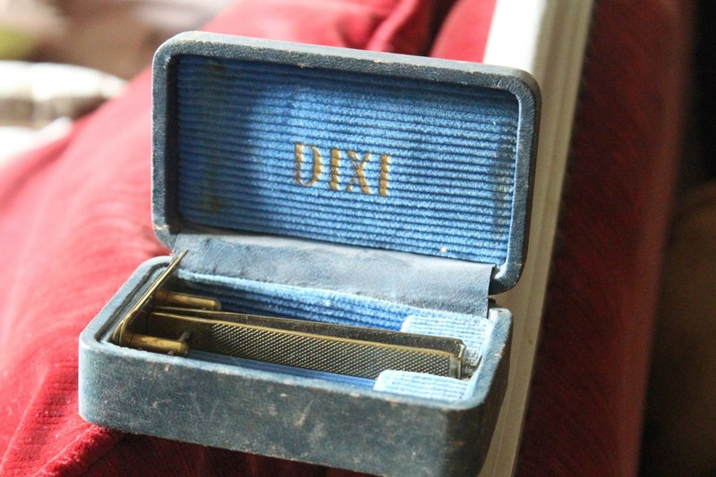DIXI razor (WWII) Germany (signed D.R.P.) Img_9110