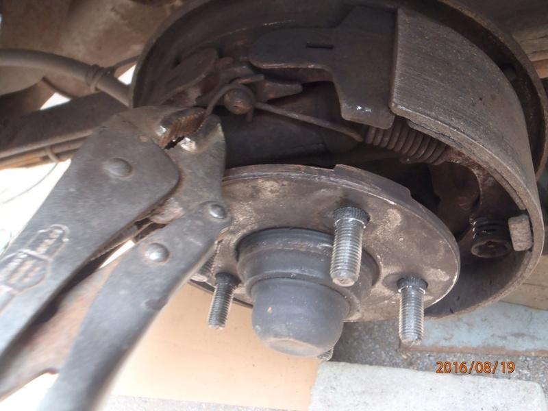 Nettoyage de frein à tambour S2/95 P8190021