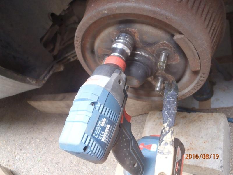 Nettoyage de frein à tambour S2/95 P8190022
