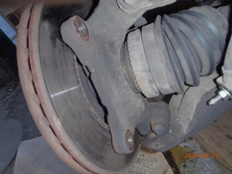 Train avant, démontage et révision, Frein, roulement, rotule, transmission.... P8230017