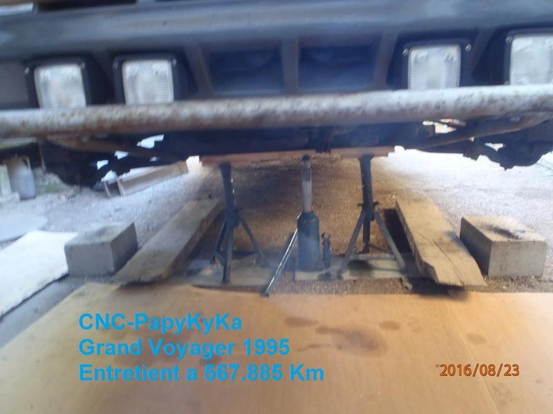 Train avant, démontage et révision, Frein, roulement, rotule, transmission.... P8230039