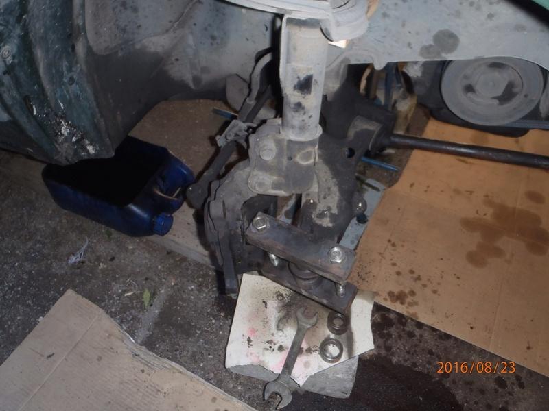 Train avant, démontage et révision, Frein, roulement, rotule, transmission.... P8230046