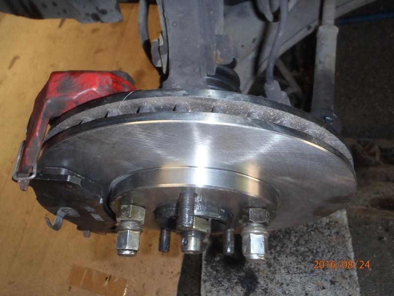 Train avant, démontage et révision, Frein, roulement, rotule, transmission.... P8240019