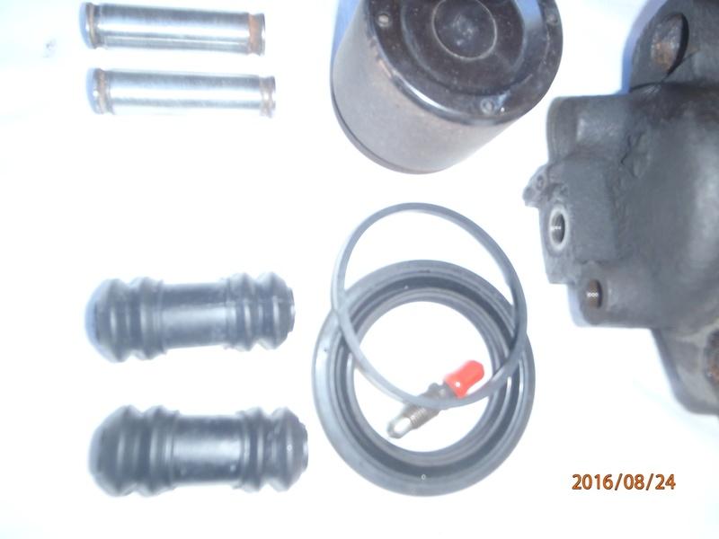 Train avant, démontage et révision, Frein, roulement, rotule, transmission.... P8240022