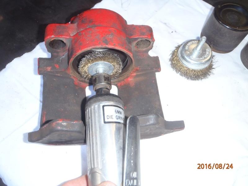 Train avant, démontage et révision, Frein, roulement, rotule, transmission.... P8240024