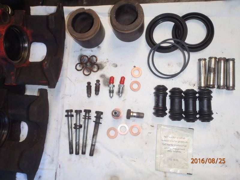 Train avant, démontage et révision, Frein, roulement, rotule, transmission.... P8250010