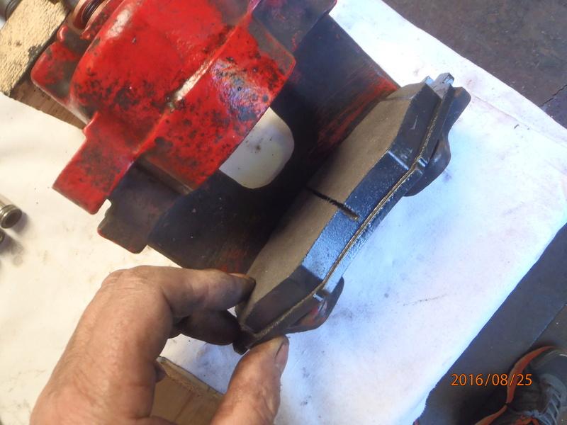 Train avant, démontage et révision, Frein, roulement, rotule, transmission.... P8250015
