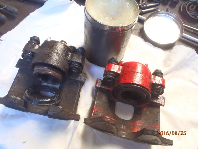 Train avant, démontage et révision, Frein, roulement, rotule, transmission.... P8250018