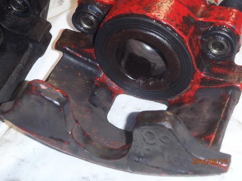 Train avant, démontage et révision, Frein, roulement, rotule, transmission.... P8250019