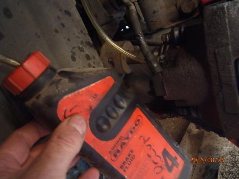 Train avant, démontage et révision, Frein, roulement, rotule, transmission.... P8250021