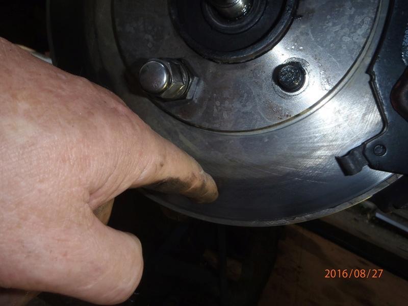 Train avant, démontage et révision, Frein, roulement, rotule, transmission.... P8270011