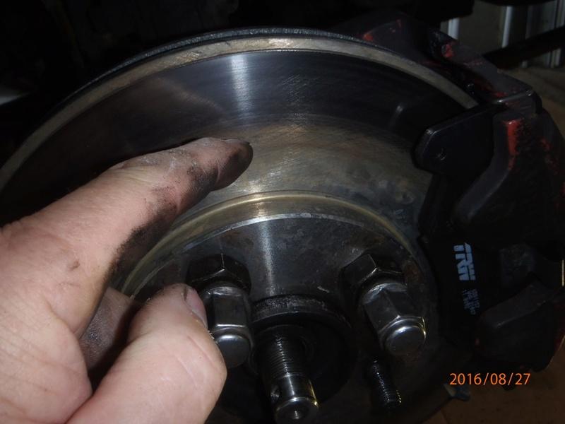 Train avant, démontage et révision, Frein, roulement, rotule, transmission.... P8270012