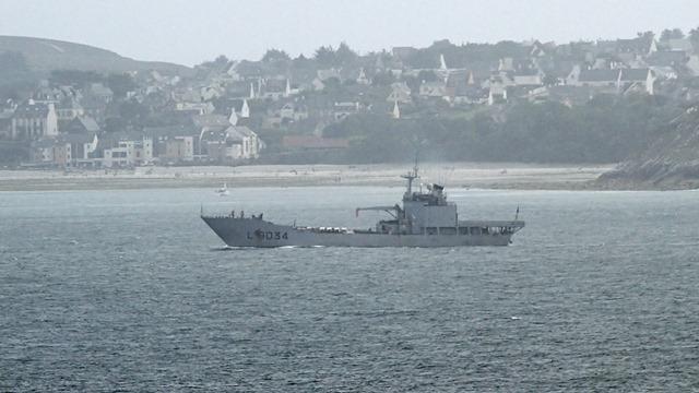[Autre sujet Marine Nationale] Démantèlement, déconstruction des navires - TOME 2 - Page 20 Cid_8411