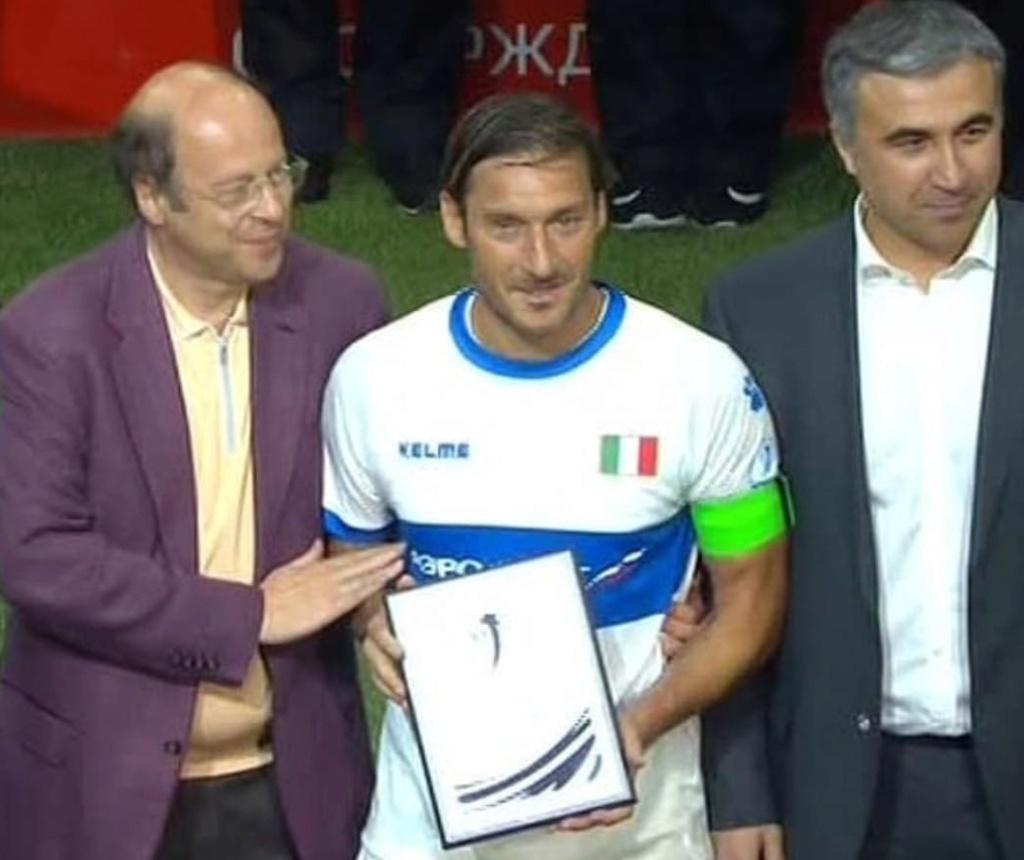 [HAF] Francesco Totti (1993-2017) - Page 27 Img_7n10