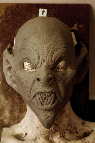 Masque de vampire qui sera commercialisé Mask_110