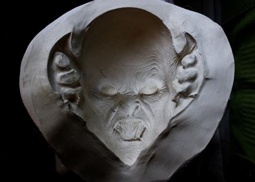 Masque de vampire qui sera commercialisé Vampir11