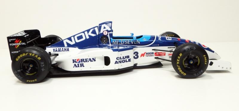 1995 Tyrrell 023 1/20 P6200010
