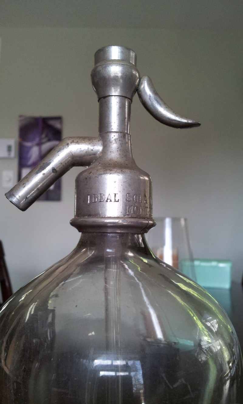 Syphon Ideal Soda Water Co. Montreal 00411